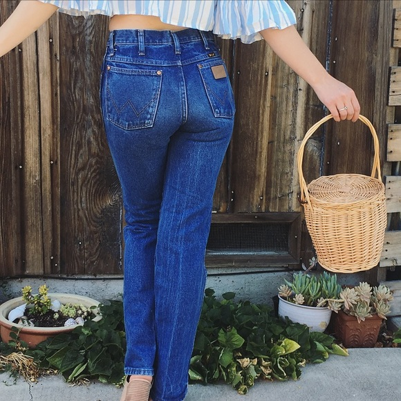 b1947363 Vintage Wrangler high waist straight leg jeans. M_5b47dac445c8b3f5e36fd0fb